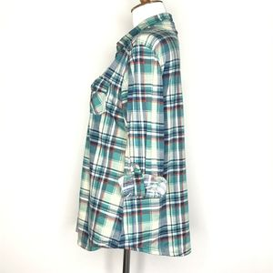 Bella D. Tops - Bella D Green & Blue Plaid Button Up Shirt A090655
